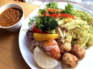 冬野菜をいただく南インド風オリジナルスパイスカレーのプレート
